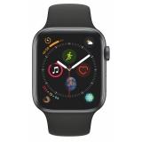Chytré hodinky Apple Watch Series 4 GPS 44mm pouzdro z vesmírně šedého hliníku - černý sportovní řemínek CZ verze