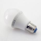 Žárovka LED Tesla klasik, 6W, E27, studená bílá